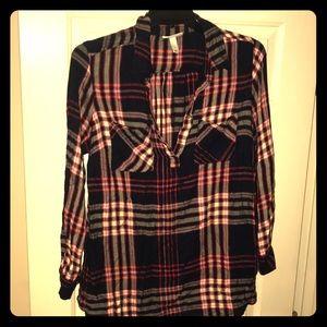EUC Liz Lange Soft Long Maternity Plaid Shirt L